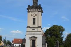 Kirche mit Obelisk...